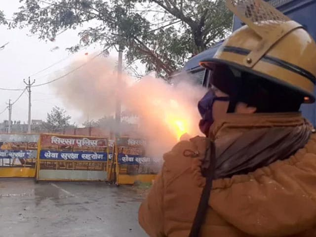 Video : Ahead Of ML Khattar's Visit To Karnal, Cops Use Tear Gas On Farmers
