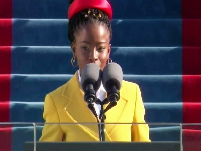 Video : Amanda Gorman, Youngest Inaugural Poet, Has A Moment In Biden Ceremony