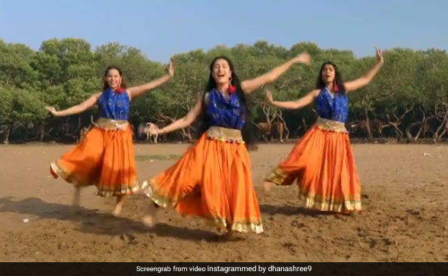 Dhanashree Verma ने खुले मैदान में 'छम्मा छम्मा' सॉन्ग पर यूं किया डांस, वायरल हुआ लाजवाब Video