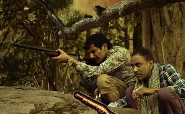 Aakhet Movie Review: बाघ के बहाने जिंदा रहने का संघर्ष है 'आखेट'