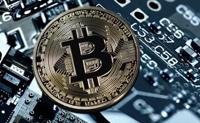 Andrew Yang, American Presidential Hopeful, Speaks Up for Bitcoin