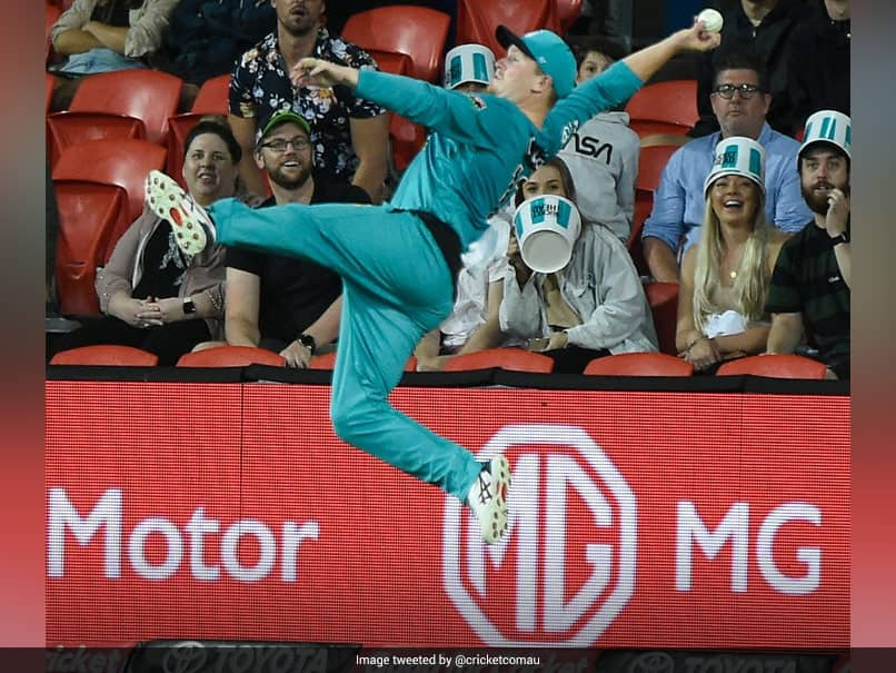 """Brisbane Heat vs Melbourne Stars: Max Bryant's """"Unbelievable"""" Effort Close To The Ropes Stops Likely Six. Watch 