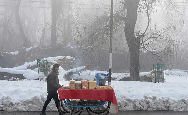 Kashmir Freezes As Minimum Temperature Dips To Minus 8.2 Degrees Celsius