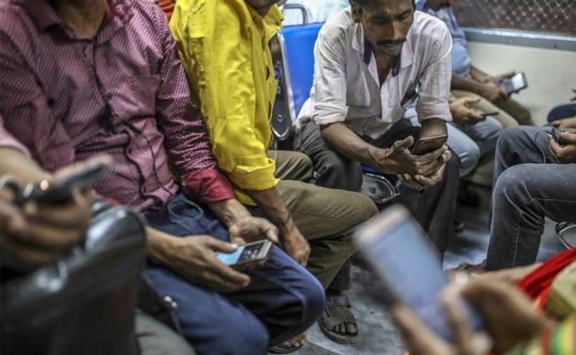 Billionaire-Backed Cricket Game Startup Kicks off India's Tech IPO Rush