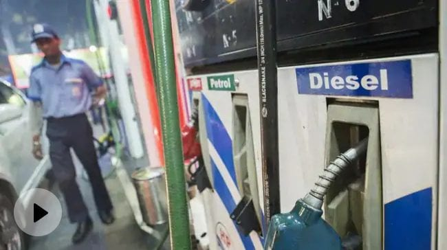 Petrol Prices Breach Rs. 100/Litre Mark In Sri Ganganagar, Rajasthan; In Metros Fuel Rates Go Up By Around 27 Paise