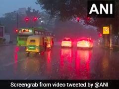 दिल्ली में लगातार तीसरे दिन भी बारिश, न्यूनतम तापमान बढ़कर13.2 डिग्री सेल्सियस पहुंचा