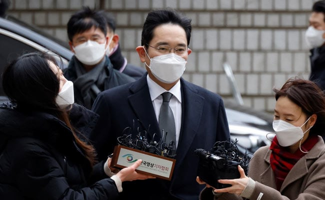 Samsung group head sent back to jail