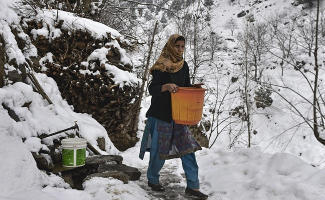 Extreme Cold Freezes Taps, Plunges Village In J&K Into Water Crisis