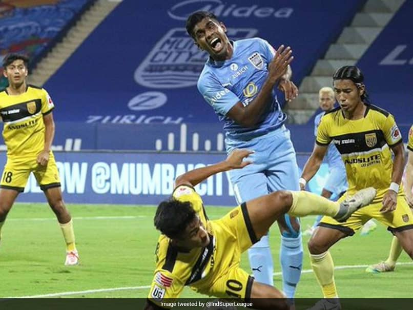 ISL: Resilient Hyderabad FC Holds Fort Against Mumbai City FC In Goalless Draw