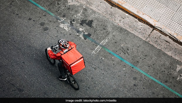 Zomato Starts Emergency Feature For COVID Food Delivery, Twitter Approves