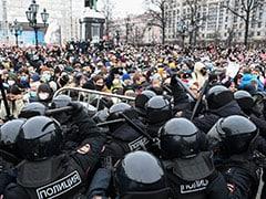 रूस : पुतिन सरकार के खिलाफ सड़कों पर उतरा जनसैलाब, 2500 से ज्यादा प्रदर्शनकारी गिरफ्तार