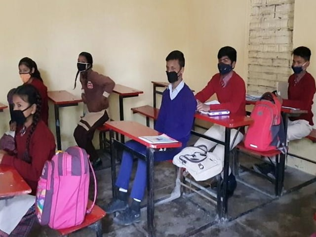 Video : Confusion, Thin Attendance On Day 1 In Punjab Schools