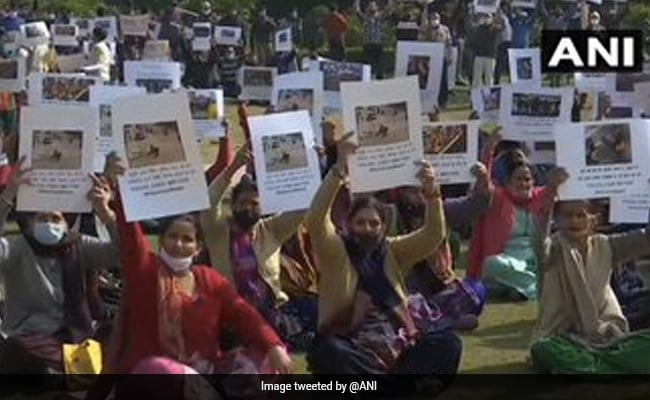 Delhi Cops, Families Of Injured Officials Protest Against Tractor Rally Violence
