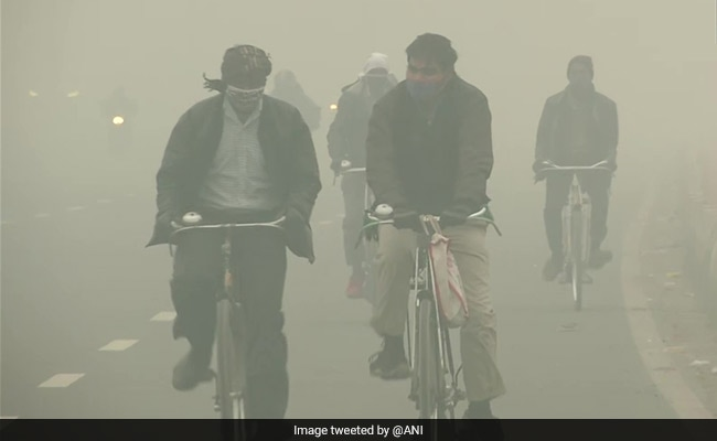 Dense Fog Shrouds Delhi, Minimum Temp Rises To 8.8 Degrees Celsius
