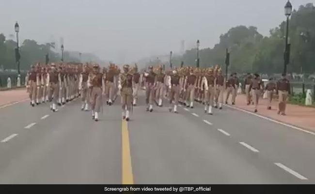 गणतंत्र दिवस: फुल ड्रेस रिहर्सल कल, दिल्ली ट्रैफिक पुलिस ने बताया किन रास्तों पर जाने से बचें
