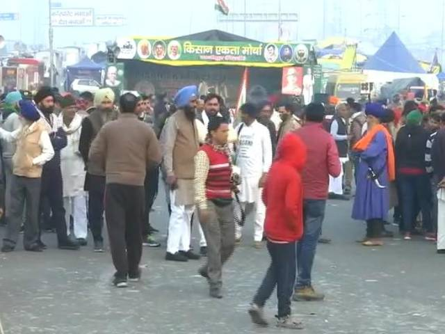 Video : End Protest, Vacate Roads, Authorities Tell Farmers At Delhi-UP Border