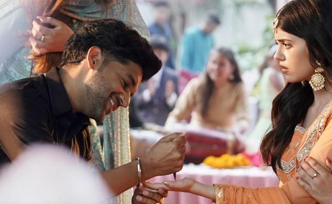 Mehendi Wale Haath Teaser: Sanjana Sanghi And Guru Randhawa's Love Ballad Will Give You Goosebumps