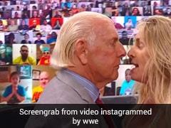 WWE रेस्लर शार्लट का पापा रिक फ्लेयर पर फूटा गुस्सा, चिल्लाईं- दफा हो जाओ...देखें Video