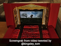 डायरेक्टर ने बनाया मिनी थिएटर, चल रही थी फिल्म, फिर अचानक हुआ कुछ ऐसा- देखें Video