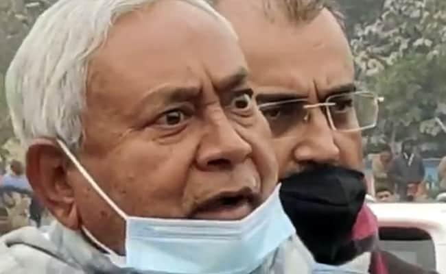 नीतीश कुमार ने लालू यादव के जल्द स्वस्थ होने की कामना की पर फोन करने से किया इनकार