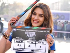 Akshay Kumar And Kriti Sanon Begin Filming <i>Bachchan Pandey</i>. See Pics
