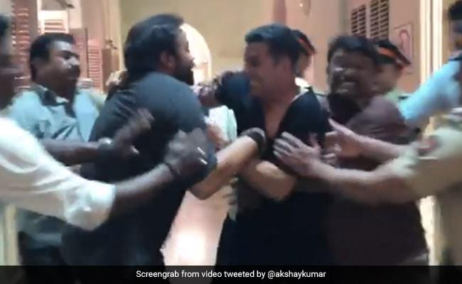 Rohit Shetty और Akshay Kumar जब सेट पर एक दूसरे से यूं भिड़ गए, थ्रोबैक Video हुआ वायरल