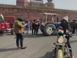 Video : Lathicharge At Delhi's Red Fort As Police Try To Remove Farmers