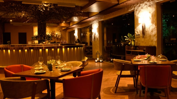 Swan: A Pretty And Elegant Place For Your Date Night