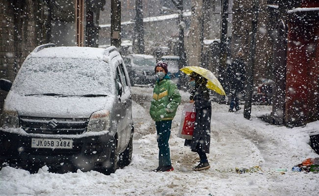 North India Shivers As Srinagar Records Lowest Temperature In 8 Years