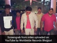 Bhojpuri Gana: पवन सिंह ने 'छपरा से आवता डांसर' गाने से मचाई धूम, नए साल पर Video वायरल