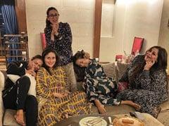 करीना कपूर ने गर्ल गैंग के साथ की पार्टी, दोस्तों के साथ यूं एंजॉय करती आईं नजर- देखें Photo