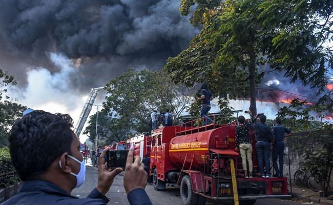Fire Officer, 5 Workers Injured In Textile Unit Blaze in Gujarat's Surat