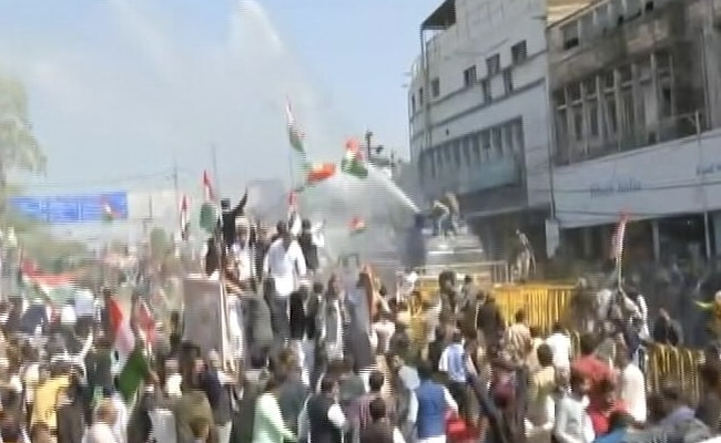 Chaos At Congress's Bhopal Pro-Farmer Rally As Cops Use Tear Gas, Water Cannons, Lathis