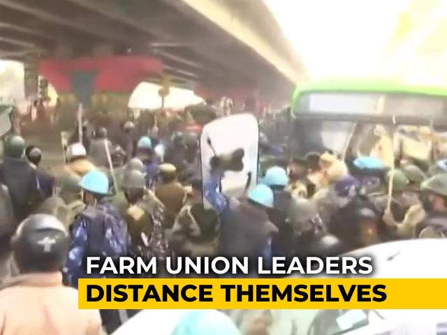 Video : Police, Protesters Clash During Tractor Rally In Delhi