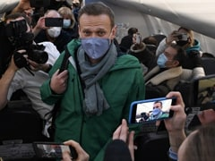 Russia Court Orders Kremlin Critic Alexei Navalny Be Held Until February 15: Aides