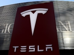 Chinese Woman's Tesla Protest Prompts 5-Day Detention, Company Apology