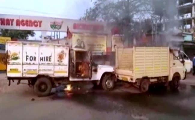 पश्चिम बंगाल : BJP में गुटबाजी शुरू, नए-पुराने कार्यकर्ताओं के बीच झड़प, गाड़ियां फूंकी गईं