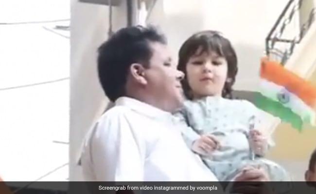 Republic Day पर तैमूर अली खान का Video हुआ वायरल, यूं तिरंगा लहराते आए नजर