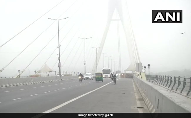 Delhi Weather: Dense Fog, Low Visibility In City, Air Quality Worsens
