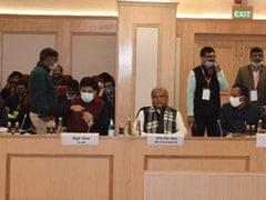 कृषि कानून: कृषि मंत्री बोले, 'सुप्रीम कोर्ट के प्रति सरकार की प्रतिबद्धता, दोनों पक्ष मिलकर हल निकालें तो अच्छा होगा'
