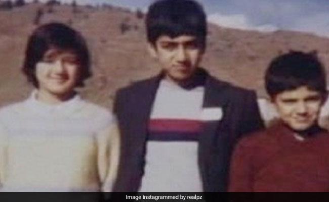 Guess The Star Posing With Siblings In This Throwback Pic From 'A Lifetime Ago'