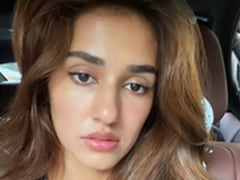 Disha Patani's Gorgeous Selfies Are Back To Showcase Her No-Makeup Makeup Looks