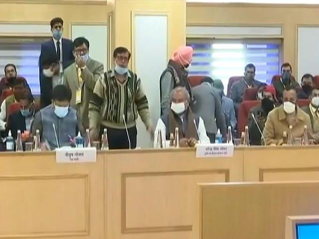 """Video : """"Ball In Your Court Now"""": Centre After Farmers Say No To Farm Laws Pause"""