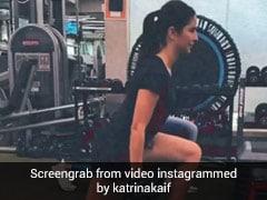 Katrina Kaif ने हाथों में डंबल उठाए यूं की लेग एक्सरसाइज, वायरल हुआ वर्कआउट Video