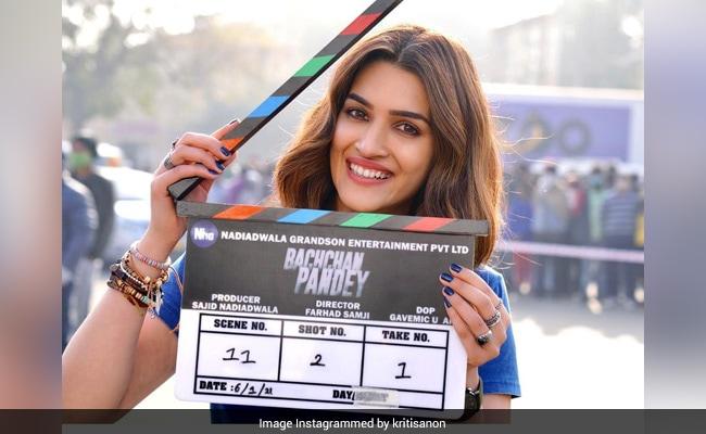 Akshay Kumar And Kriti Sanon Begin Filming Bachchan Pandey. See Pics