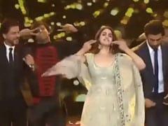 Alia Bhatt ने रणबीर और शाहरुख संग  'राधा तेरी चुनरी' सॉन्ग पर किया जोरदार डांस, देखें थ्रोबैक Video