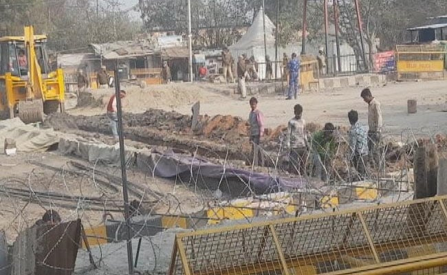 Watch: Barbed Wire Fences, Sharpened Iron Rods To Cease Farmers At Singhu