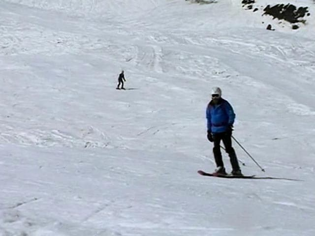 Video : Gulmarg: More People Take Up Skiing, Snowboarding