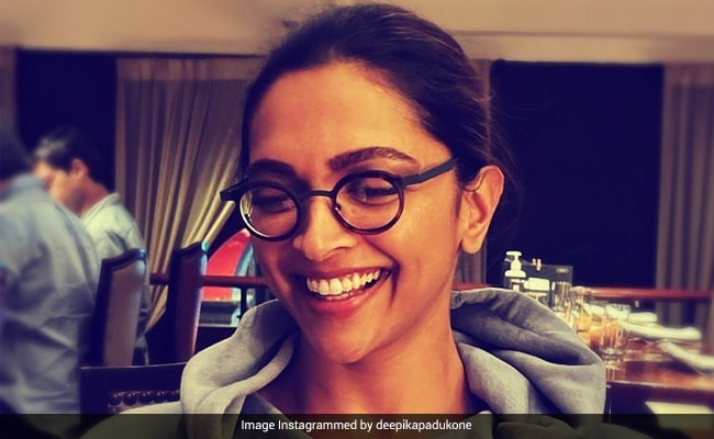 This Pic Reminded Ranveer Singh Of A Popular Character Played By Deepika Padukone. Any Guesses? - NDTV
