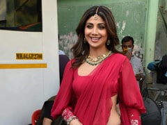 Shilpa Shetty Gives Valentine's Day Fashion An Ethnic Twist In A Stunning Red <i>Saree</i>